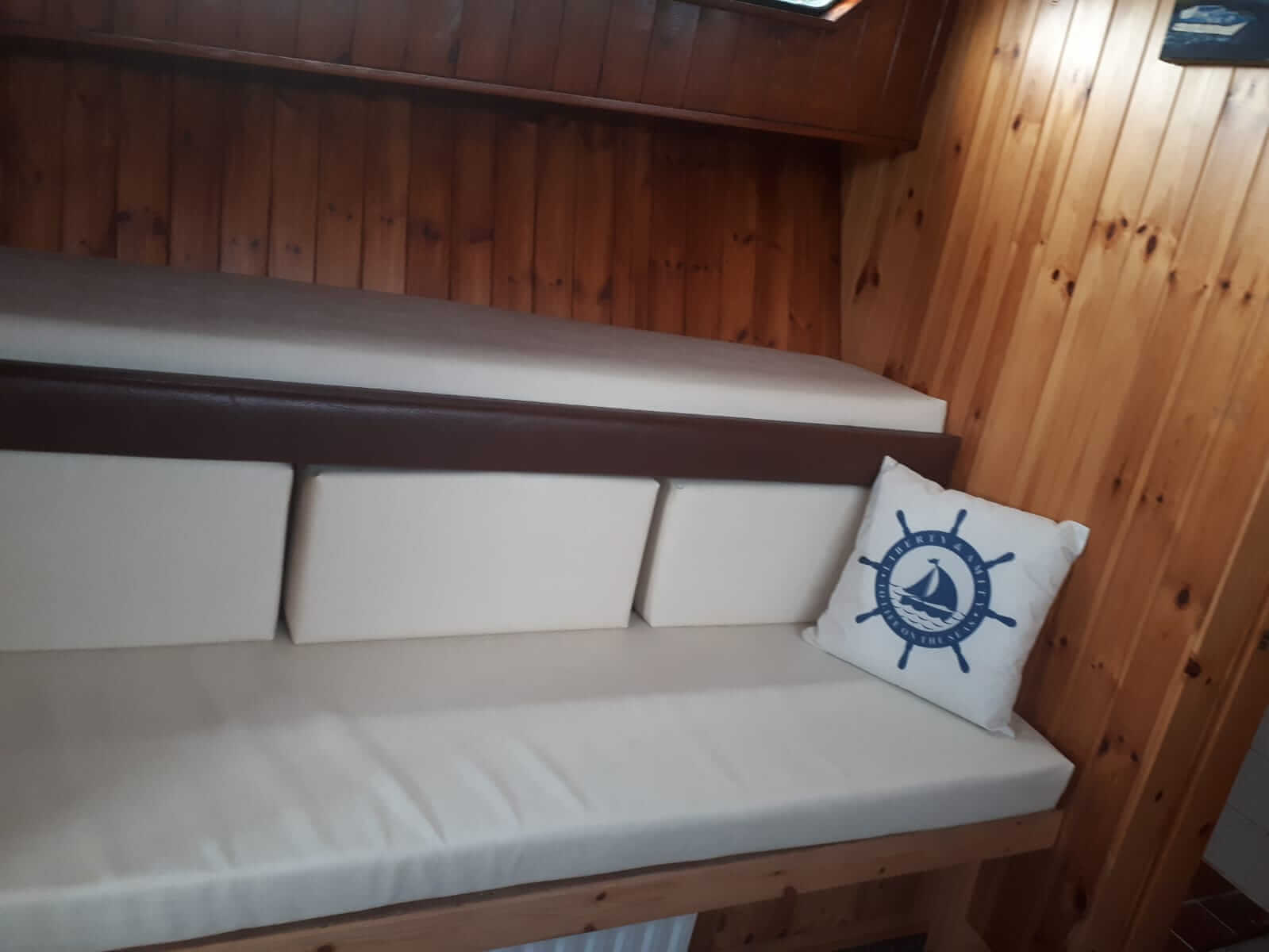 Cruiser Boats Ireland - Shannon Boat Rental 24